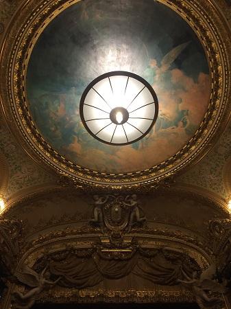 Plafond et lustre de l'Opéra comique